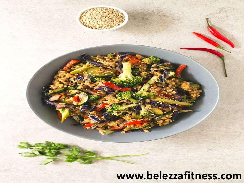 Brown rice stir fried with veggies