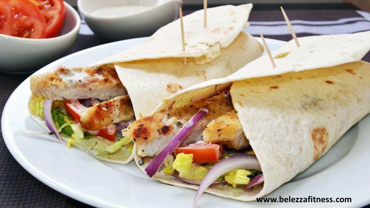 chicken wrap with tortillas